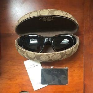 Coach Classic Sunglasses and Case GUC